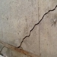 Diagonal crack Before