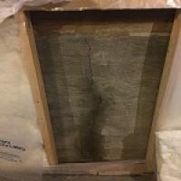Vertical crack leaking